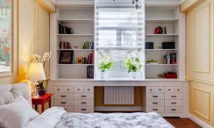 Оформление окна шкафами в комнате