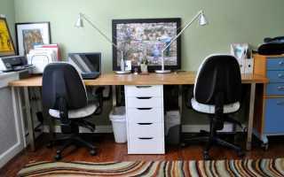 Стол для двоих у окна фото