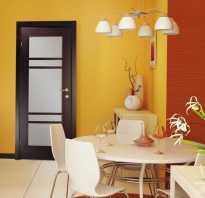 Как задекорировать дырку на двери?