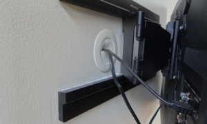 Как спрятать розетку за телевизором на стене?